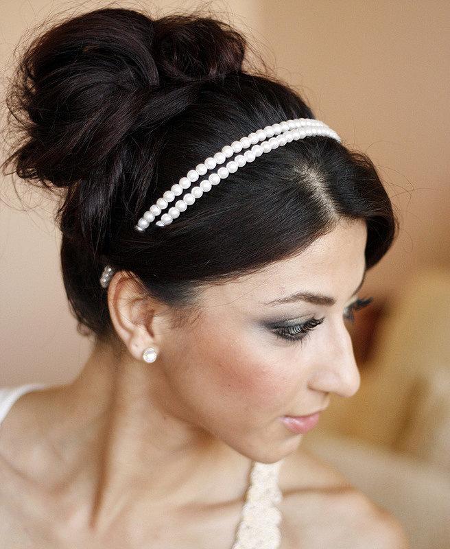 Простые и эффектные прически с аксессуарами для волос от Fauzer