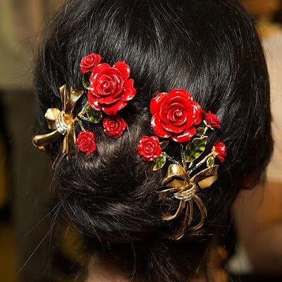 Женские стрижки и украшения для волос