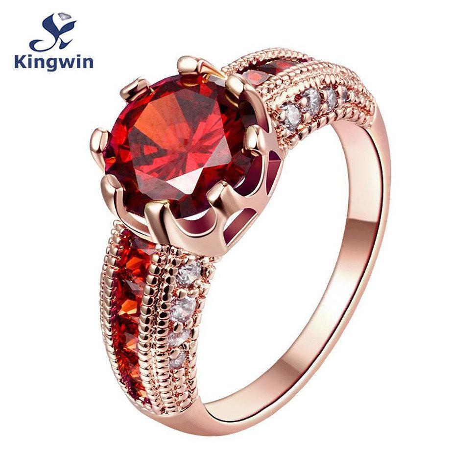 Модные кольца с большими камнями