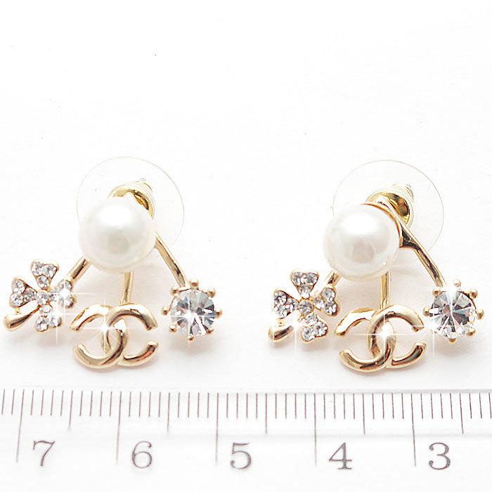 Жемчужные маленькие сережки для ушей необычной формы - Интересные ювелирные  украшения - Жемчужные маленькие сережки для eeb7c734067